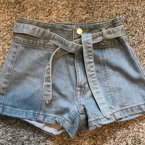 Pacsun shorts with tie and buttons